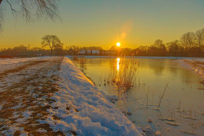 zonsopkomst in Moerenburg van Freddie de Roeck