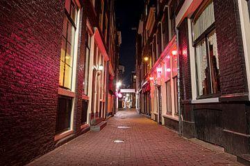 Le Red LIght District d'Amsterdam de nuit sur Nisangha Masselink