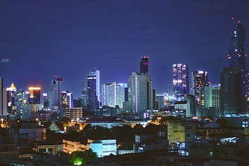 Bangkok Skyline in de nacht van Lisette van Oosterhout