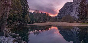 Zonsondergang in Yosemite van Toon van den Einde