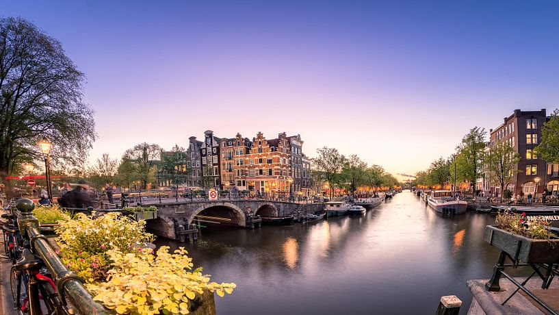 Amsterdam at sunset van Martijn Kort