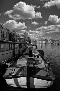 Woonboten op de Amstel van Foto Amsterdam / Peter Bartelings