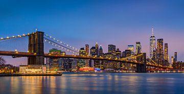 Manhattan Skyline met Brooklyn Bridge, New York van Adelheid Smitt