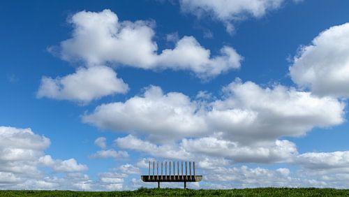 Bank in de wolken