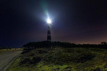 De vuurtoren 'Bornrif' bij Hollum, Ameland bij nacht van