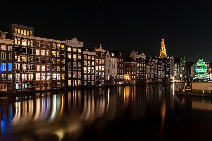 Amsterdam bij nacht van Wim Slootweg