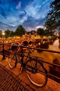 AMSTERDAM ' s avonds indruk van de Brouwersgracht