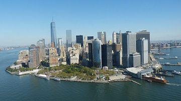 New York Skyline Helikopterview van Josina Leenaerts