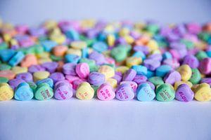 Vrolijk gekleurde hartjes snoepjes