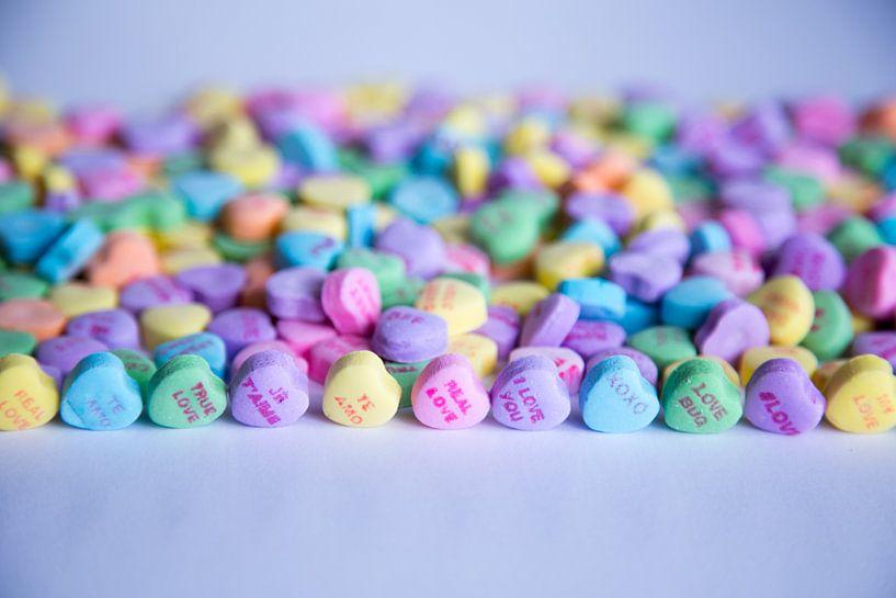 Vrolijk gekleurde hartjes snoepjes van Natasja Tollenaar
