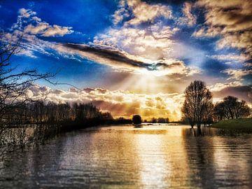 zon tussen de wolken van claes touber