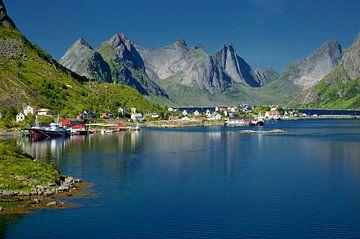 Reine, Lofoten, Noorwegen van Iris Heuer