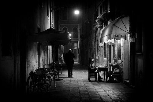 Venetië bij nacht in zwart-wit