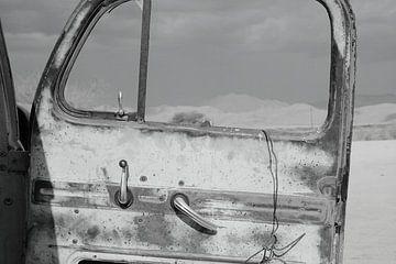 Alte rostige gebrochene Autotür von Bobsphotography