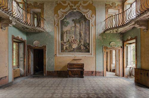 Hal met Piano van Perry Wiertz