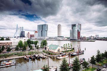 Rotterdam vanuit de Veerhaven van Pieter Wolthoorn