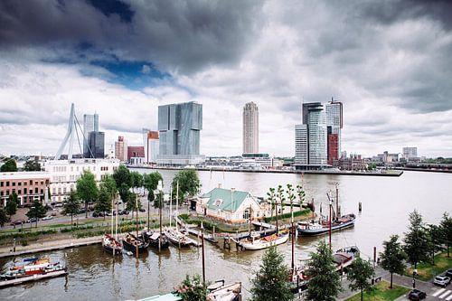 Rotterdam vanuit de Veerhaven von Pieter Wolthoorn