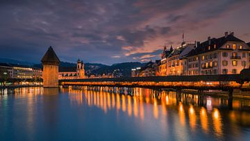 Kapellbrücke, Lucerne, Switzerland van Henk Meijer Photography