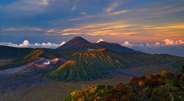 Volcano Dageraad, Zonsopgang op Bromo Indonesië van Karsten Wrobel