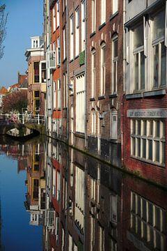 Niederländische Impressionen mit Gracht in Delft van Thomas Wagner