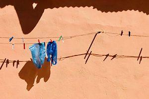 Aan de waslijn. van Pieter van Roijen