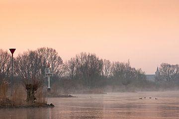 IJsseloever in het morgenlicht von Evert Jan Kip