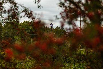 Vliegende motorcrosser  van Fabio Holkema