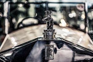 Rolls Royce met uitkijkende indiaan van