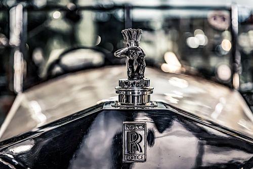 Schauender Inder auf ein Rolls Royce von autofotografie nederland