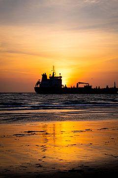Sunset at sea van Katja • W