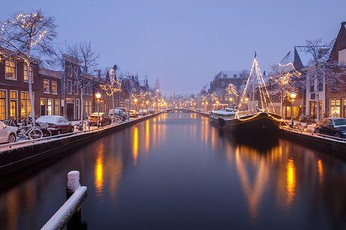 Luttik Oudorp in Alkmaar tijdens een 'sneeuw(storm)' van Sjoerd Veltman