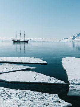 Segelschiff Rembrandt van Rijn bei Spitzbergen von Milene van Arendonk