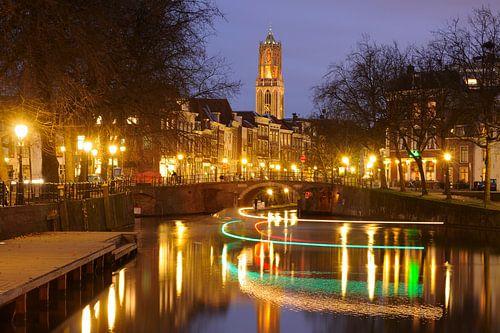 Zicht op Zandbrug en Oudegracht in Utrecht  vanaf de Bemuurde Weerd