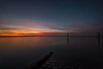 Zonsondergang op de Brouwersdam in Ouddorp van Albert van der Spaan