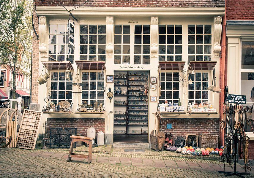 Koos Rozenburg, antiekwinkel, Delft