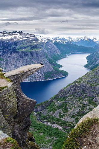 Trolltunga en de Ringedalsvannet - Norwegen von Ricardo Bouman