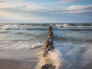 Ostseeküste mit Buhne