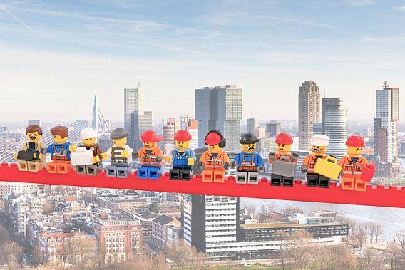 Lunch atop a skyscraper Lego - Rotterdam van Marco van den Arend