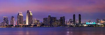 SAN DIEGO Skyline le soir sur