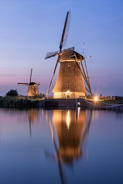 Verlichte molens bij Kinderdijk van Sander Groenendijk