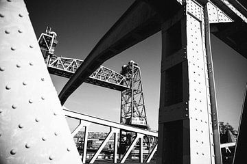 De Hef Brücke, Rotterdam in schwarz-weiß. von Jasper Verolme