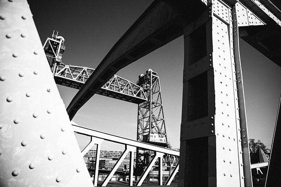 De Hef brug, Rotterdam in zwart wit.