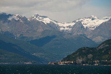 Lecco Lake van
