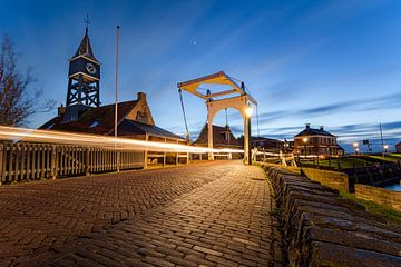 Brug  met sluiswachter woning  in Hindeloopen van Fotografiecor .nl