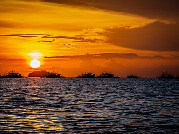 Sonnenuntergang bei Malapascua von Rik Pijnenburg