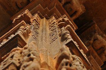 Pilaar van een prachtige tempel in India sur Myrthe Visser-Wind