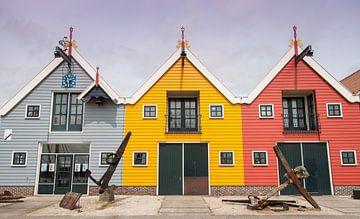 De gekleurde huisjes van Zoutkamp von Naresh Bhageloe