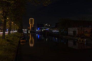Château d'eau dans la Nuit - Utrecht, Pays-Bas sur Thijs van den Broek
