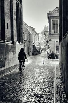 Straatfotografie in Utrecht. Onder de Dom in Utrecht richting Servetstraat in de winter.  (Utrecht20 van De Utrechtse Grachten