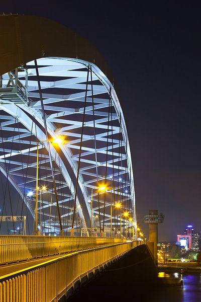 Van Brienenoordbrug boog te Rotterdam van Anton de Zeeuw